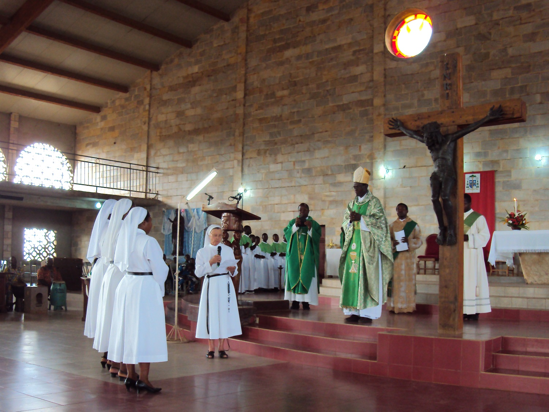 Discours de Mère Alain Michel, supérieure générale, lors de la messe présidée par l'évêque de Natitingou