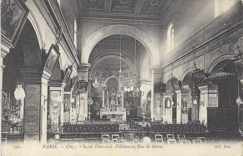 Intérieur de la chapelle - Vue en direction de l'autel