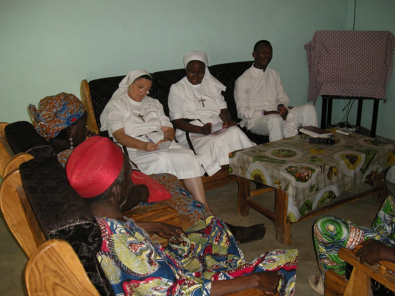 Réunion de travail à la paroisse de Kemon