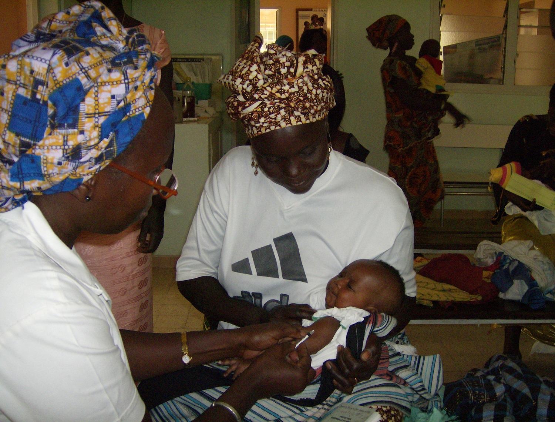 Vaccination des nouveaux-nés au dispensaire