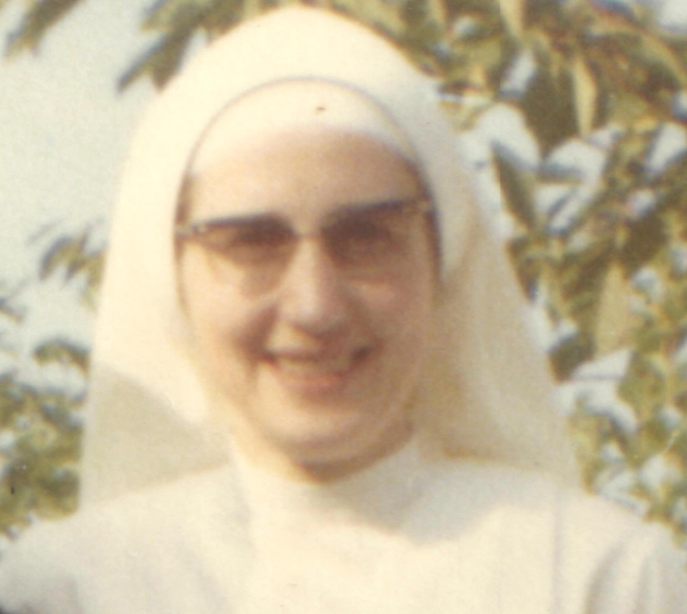 Jeune infirmière à l'hôpital de Noyon (1967)