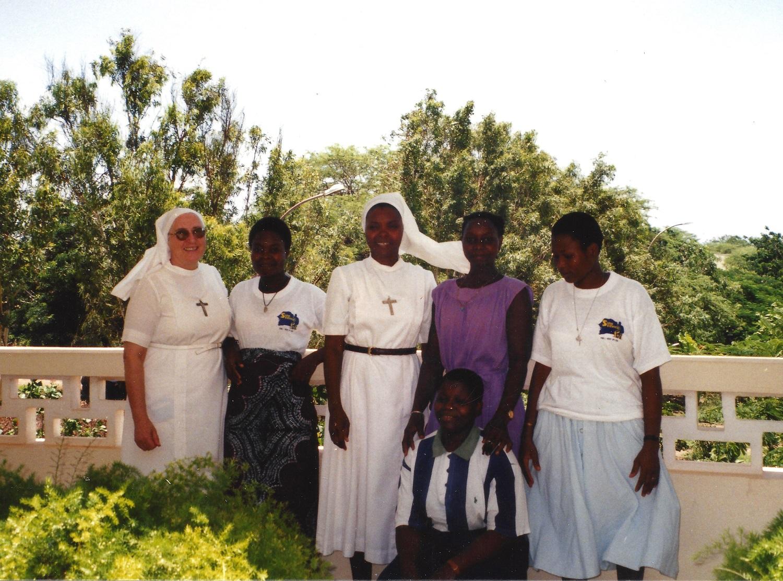 Avec les jeunes du juvénat de Dakar (1999)