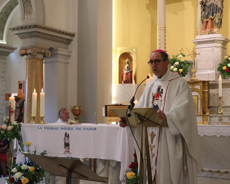 Messe de levée célébrée par Mgr Rougé, évêque de Nanterre
