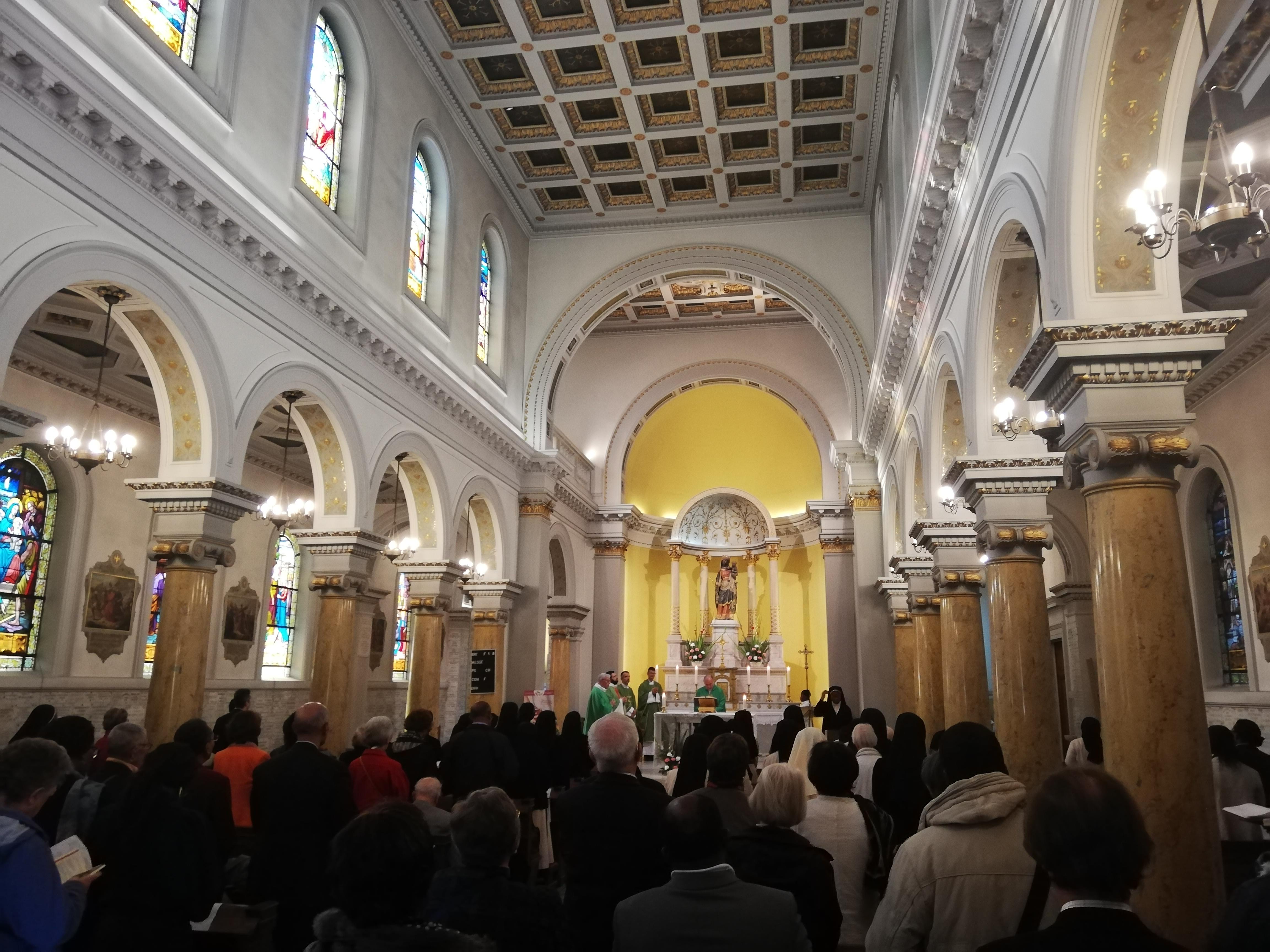 Eucharistie célébrée en fin de journée