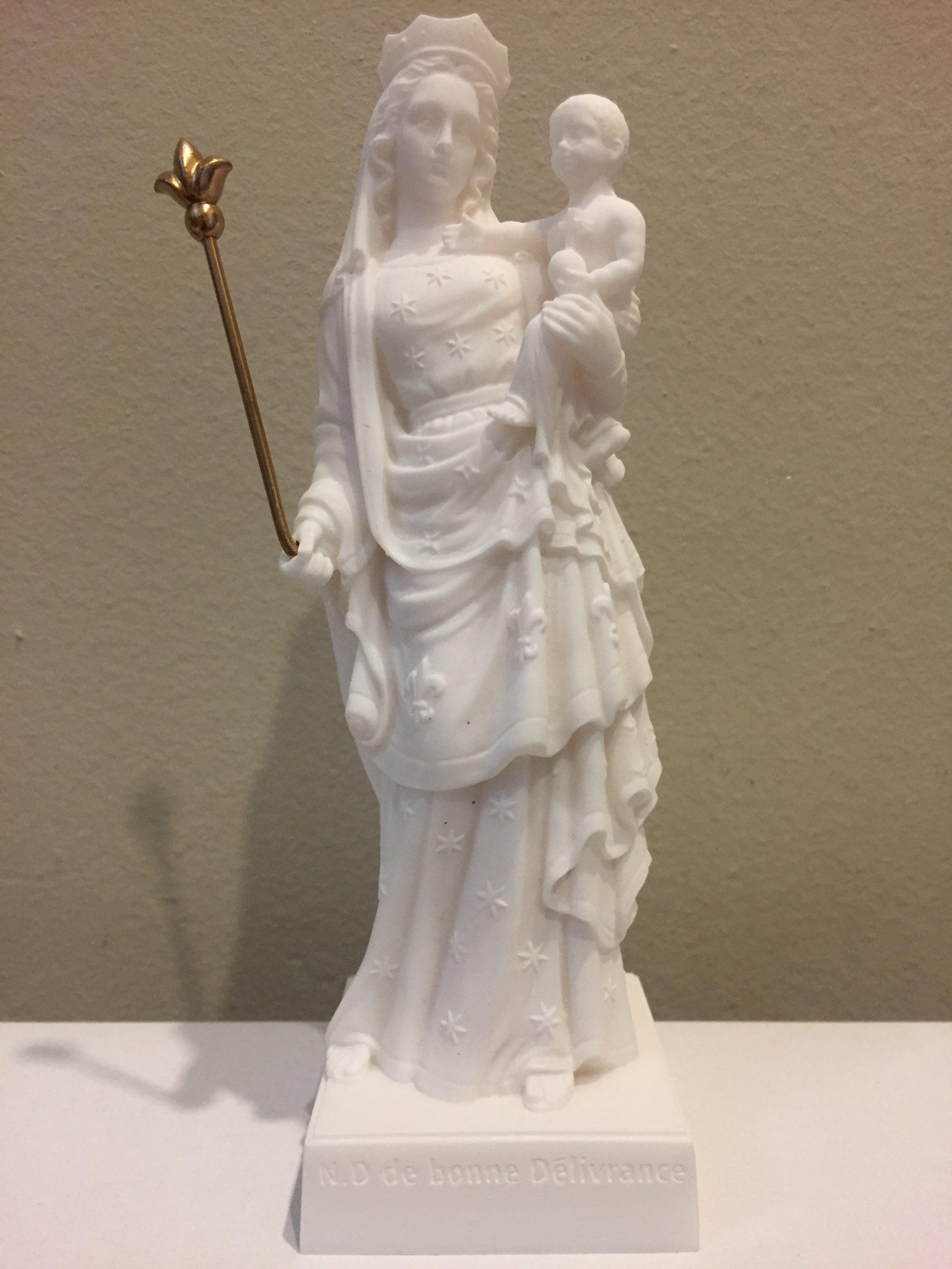 Petite statue en albâtre 17 cm à 16 euros