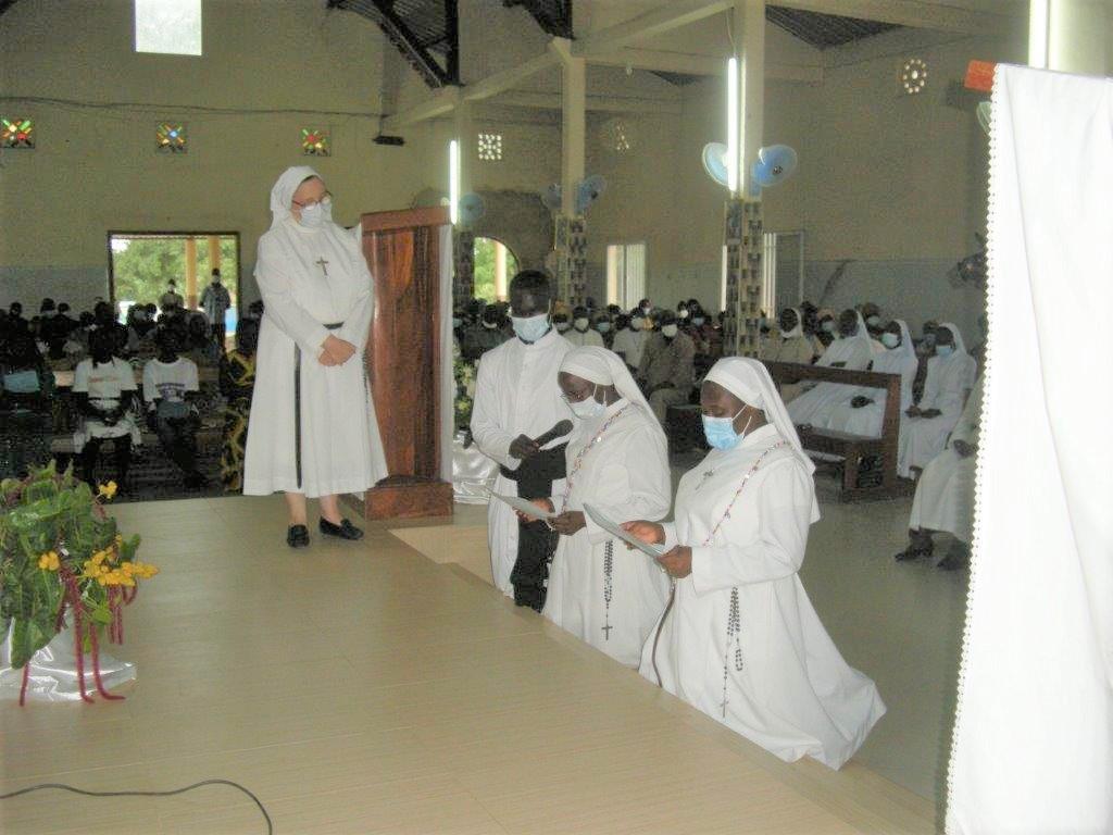 Les Sœurs prononcent leurs Vœux